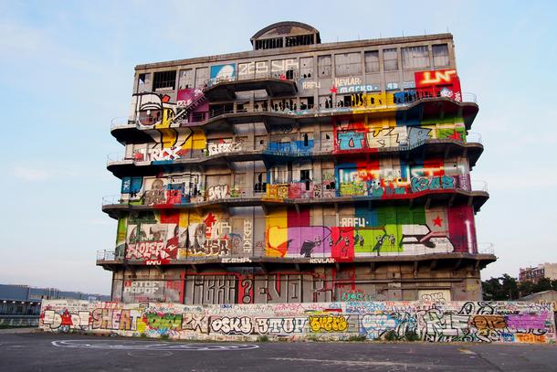 ART URBAIN POPOF 09 Immeuble