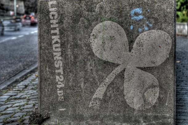 Reverse_graffiti_weinberg2