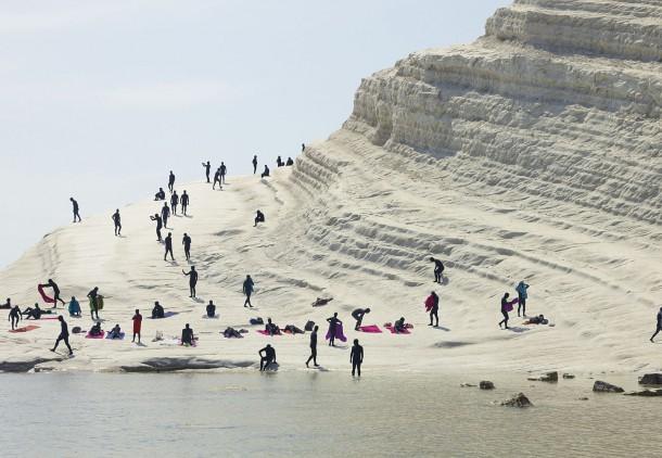 human-tourism sicile-plage