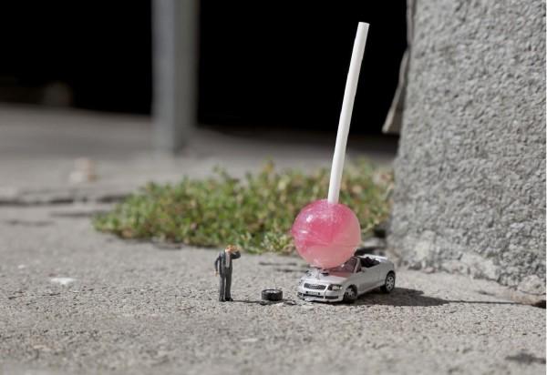 Street art Slinkachu Damn Kids