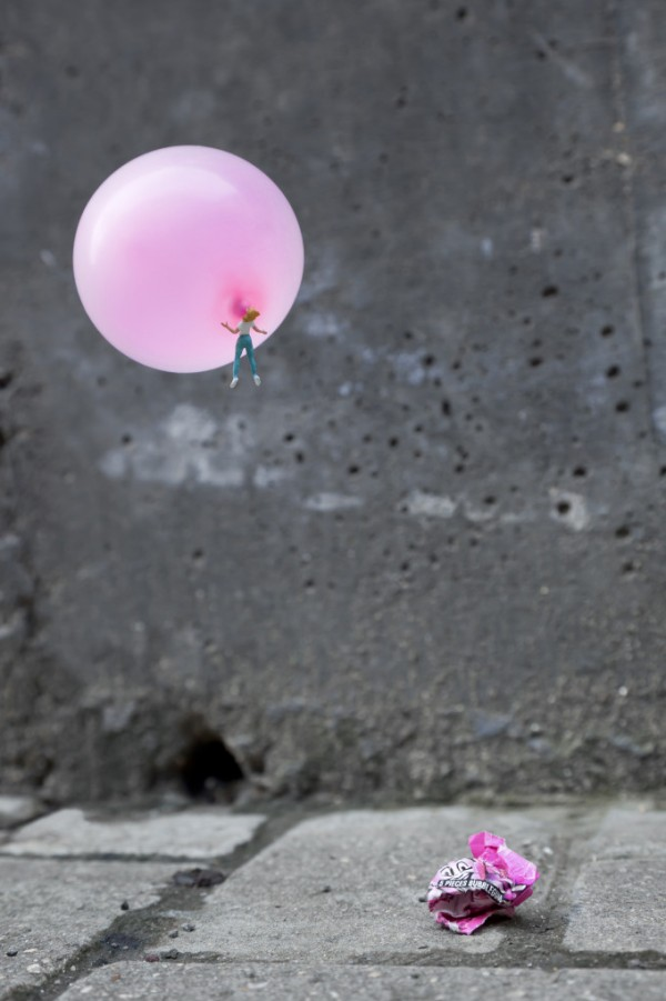 Street art Slinkachu Sugar High