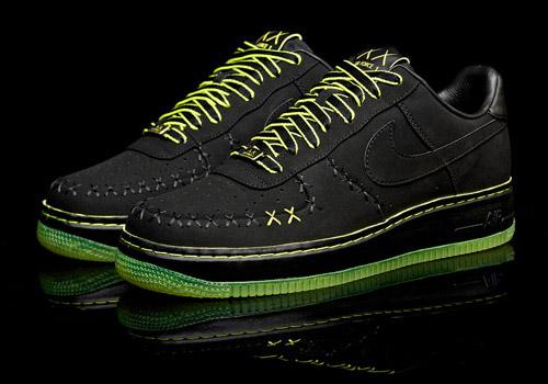 Basket Kaws x Nike