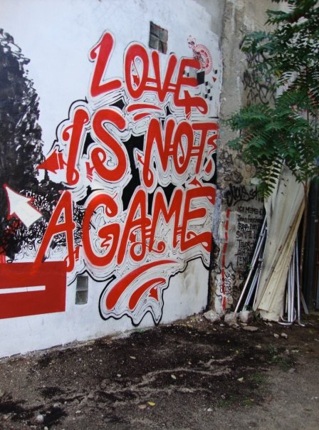 Street art TANC Love is not a game