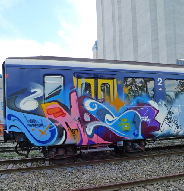 Graffiti Smash 137 + trains
