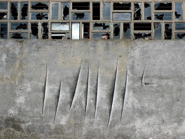 "Pejac ""Wallcanvas"" - Lucio Fontana Tribute - Santander"